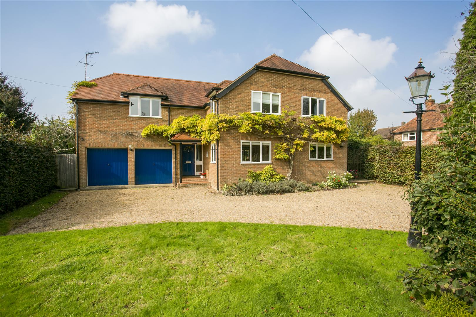 5 Bedrooms Detached House for sale in Old Road, Wateringbury